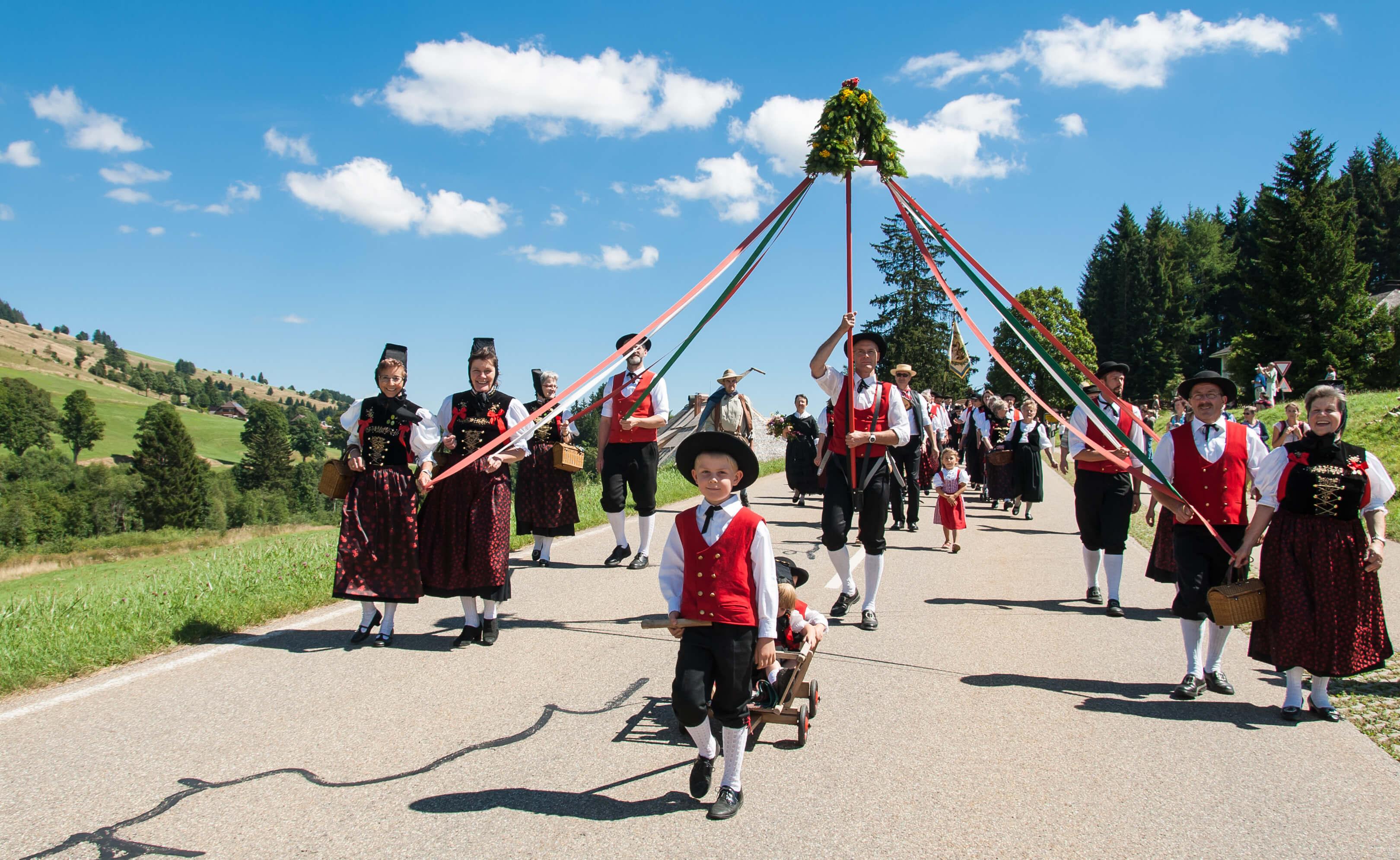 Trachtengruppe in Bernau