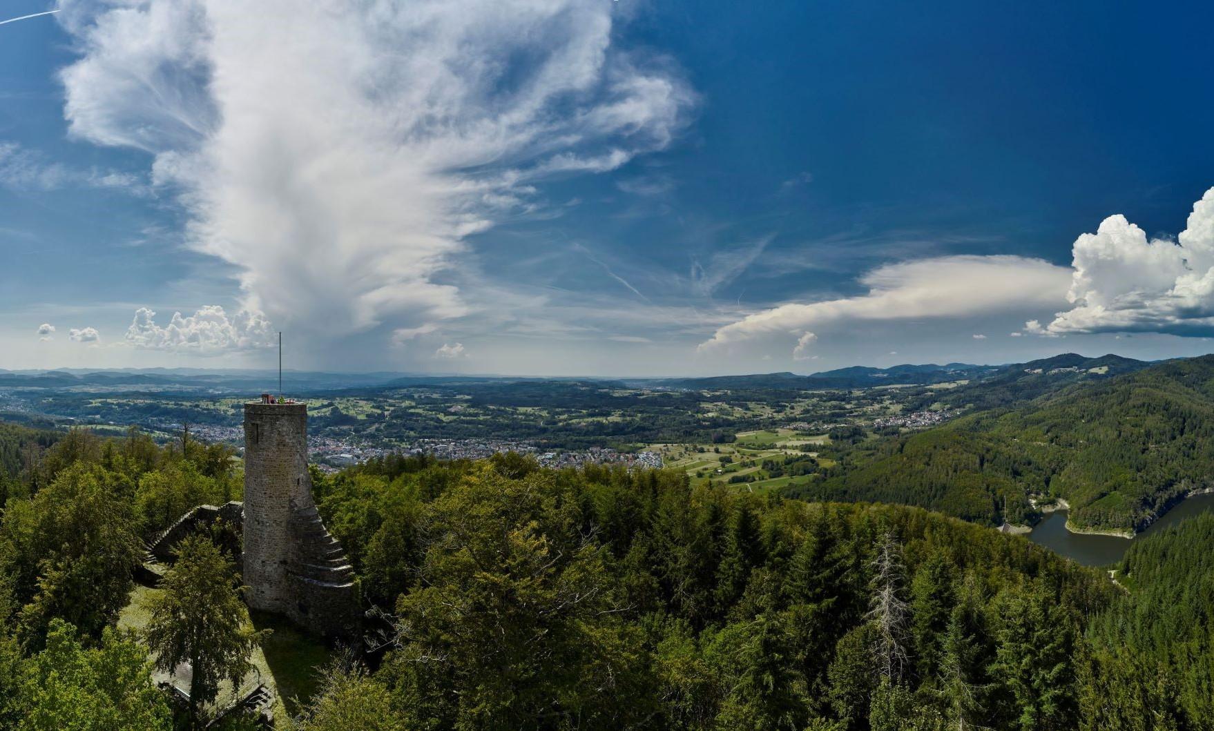 Burgruine, Bärenfels, Wehr, Burg, Bär, Ferienwelt, Südschwarzwald, Schwarzwald, Landschaft, Aussicht, Aussichtsturm, Turm, Natur, Wald, Sommer, Frühling, Herbst, Ausflug, Bäume